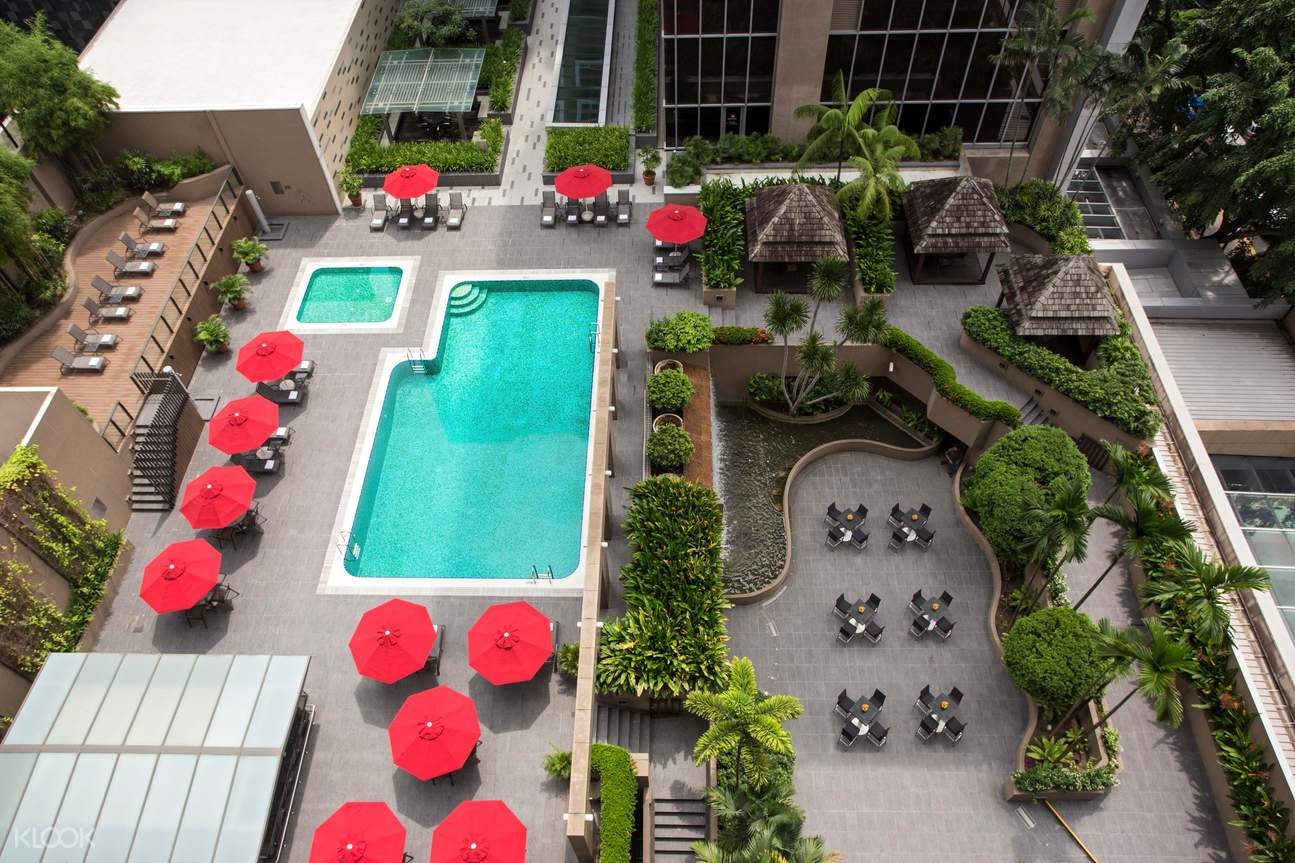 Carlton Hotel Outdoor Area